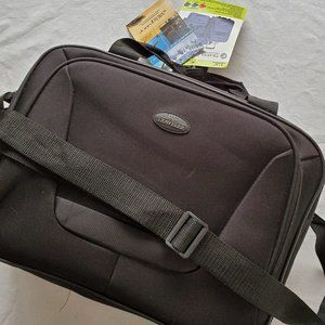 """Traveler's Choice 15"""" Wide Tote Carry-On Black NEW"""